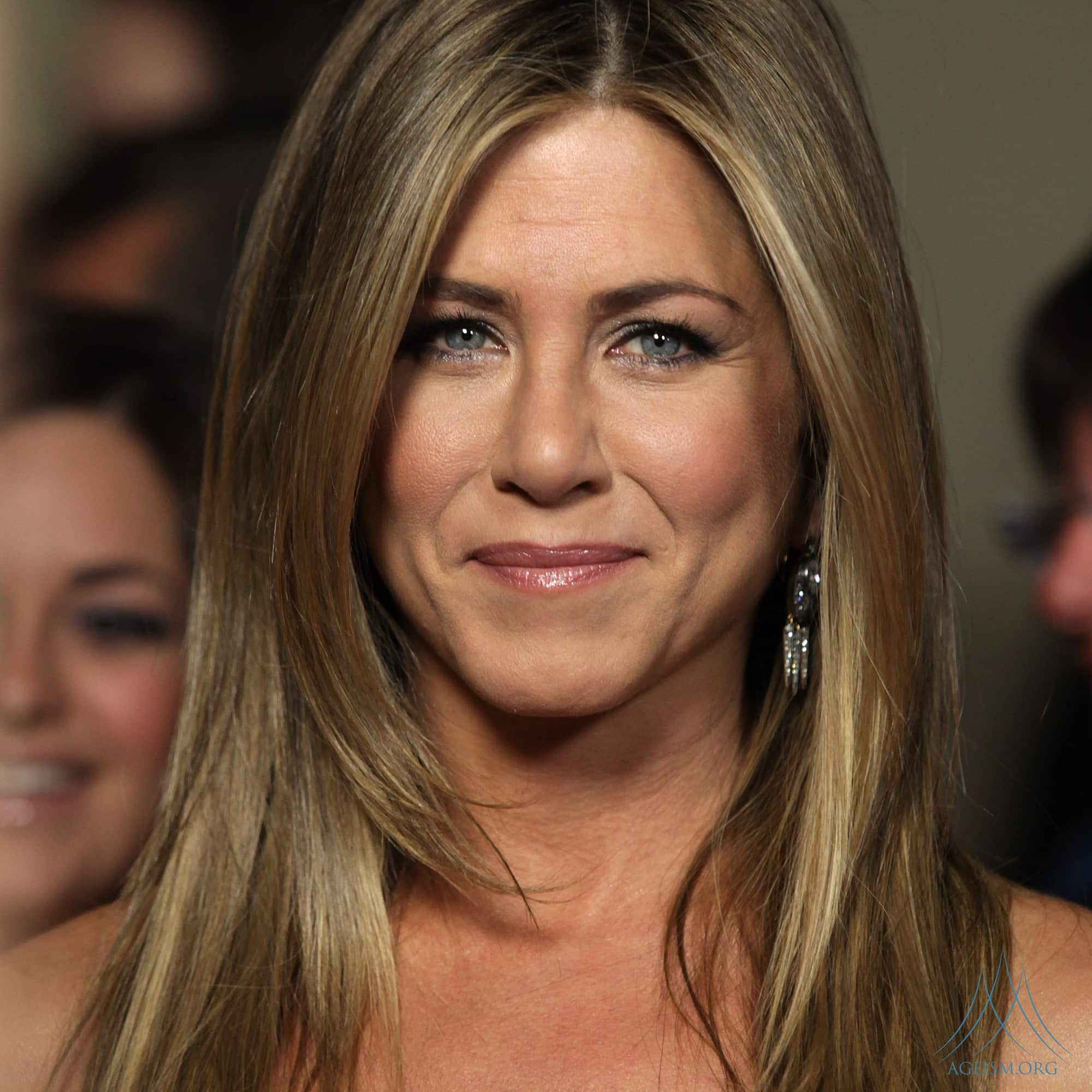 Jennifer Aniston Fights Against Agist Comments